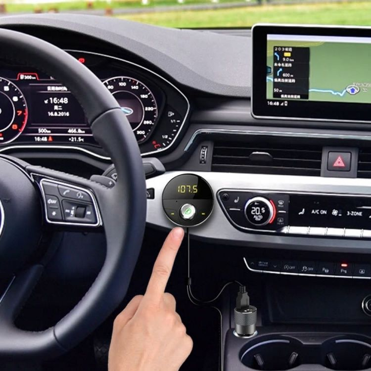 Foto Design Bluetooth Carkit en FM Transmitter en MP3 speler