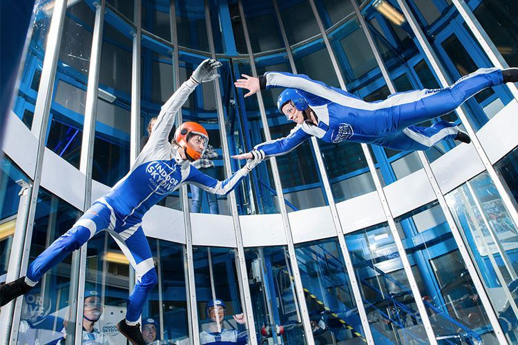 Foto 2 indoor skydive sessies in Roosendaal (1 p.)