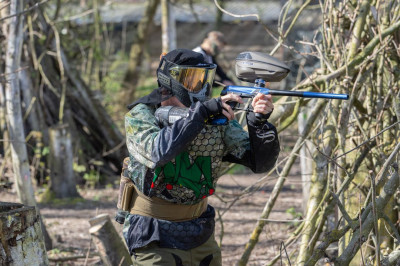 Foto 2 uur paintball met 6 tot 10 personen in Almere