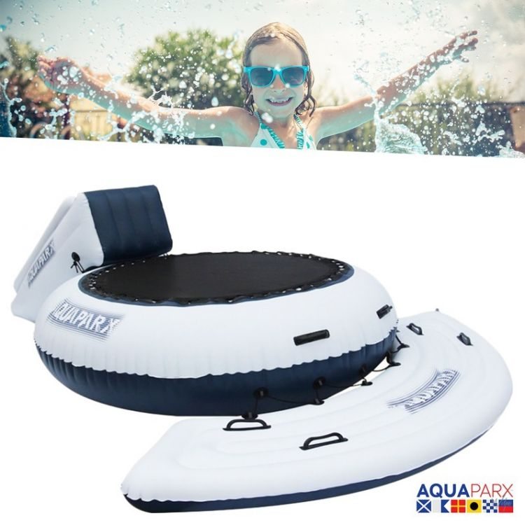 Foto AquaParx Junior Watertrampoline en Glijbaan